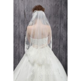 Elegant One-tier Lace Edge Tulle Ivory Hip Veils CV0015005