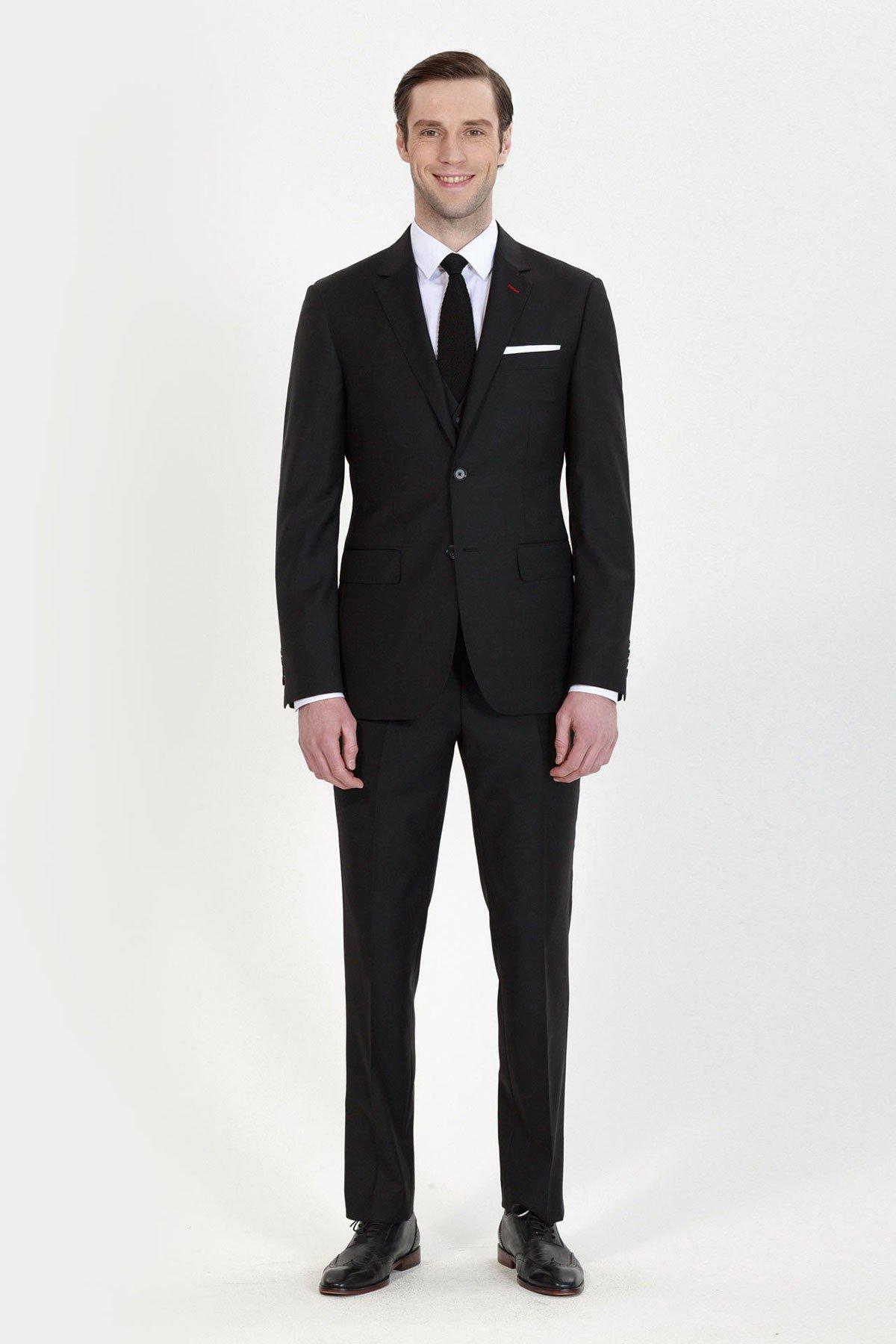Classic Black Three-Piece Suit ID-693