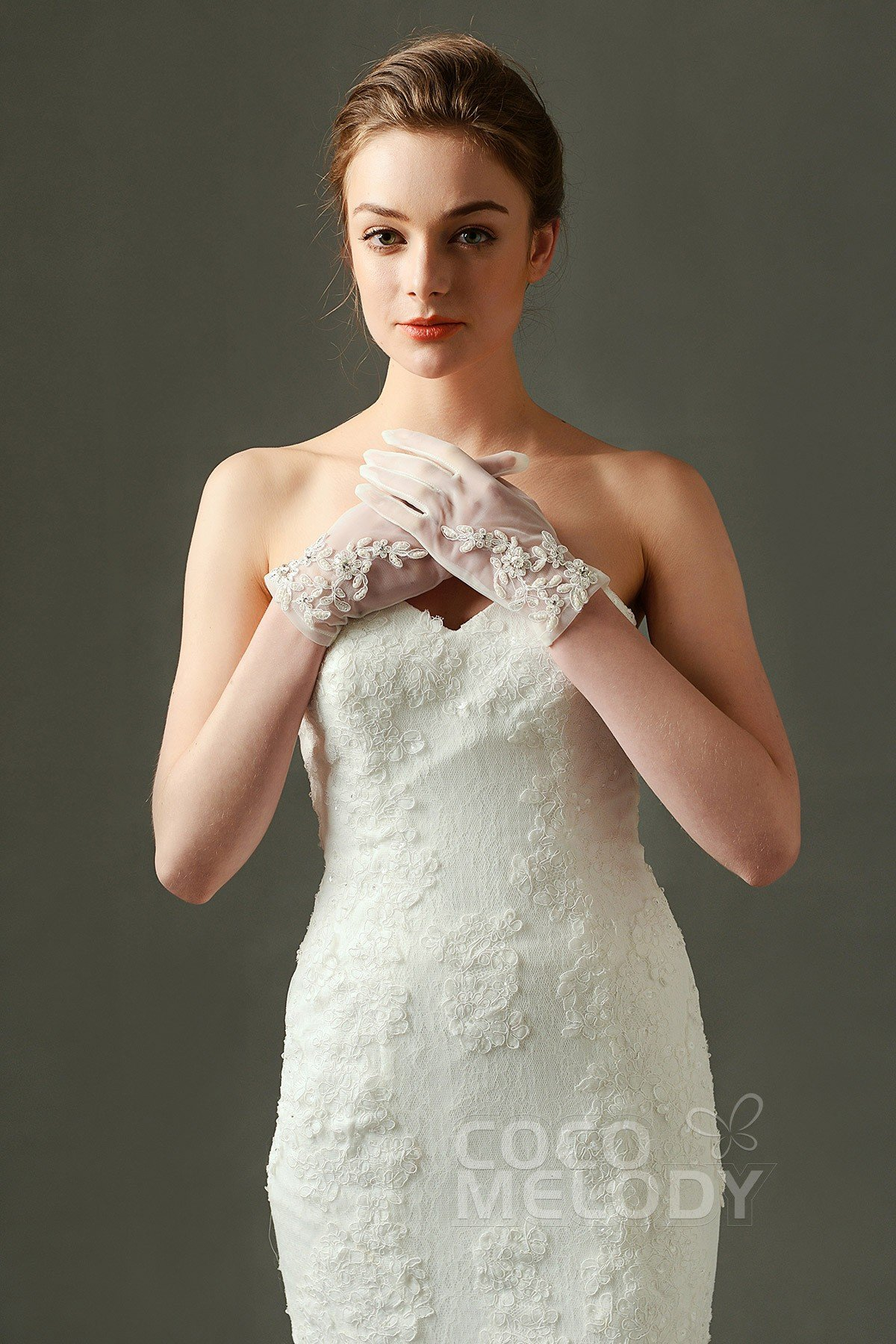 Fingertips Wrist Length Tulle and Lace Ivory 23cm Wedding Gloves with Appliques and Beading ST160008