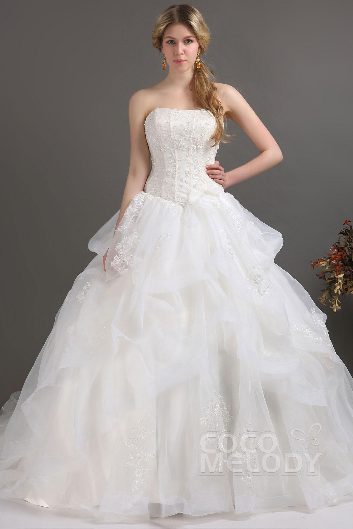 Cocomelody: Ball Gown Sweetheart Chapel Train Organza Wedding Dress ...