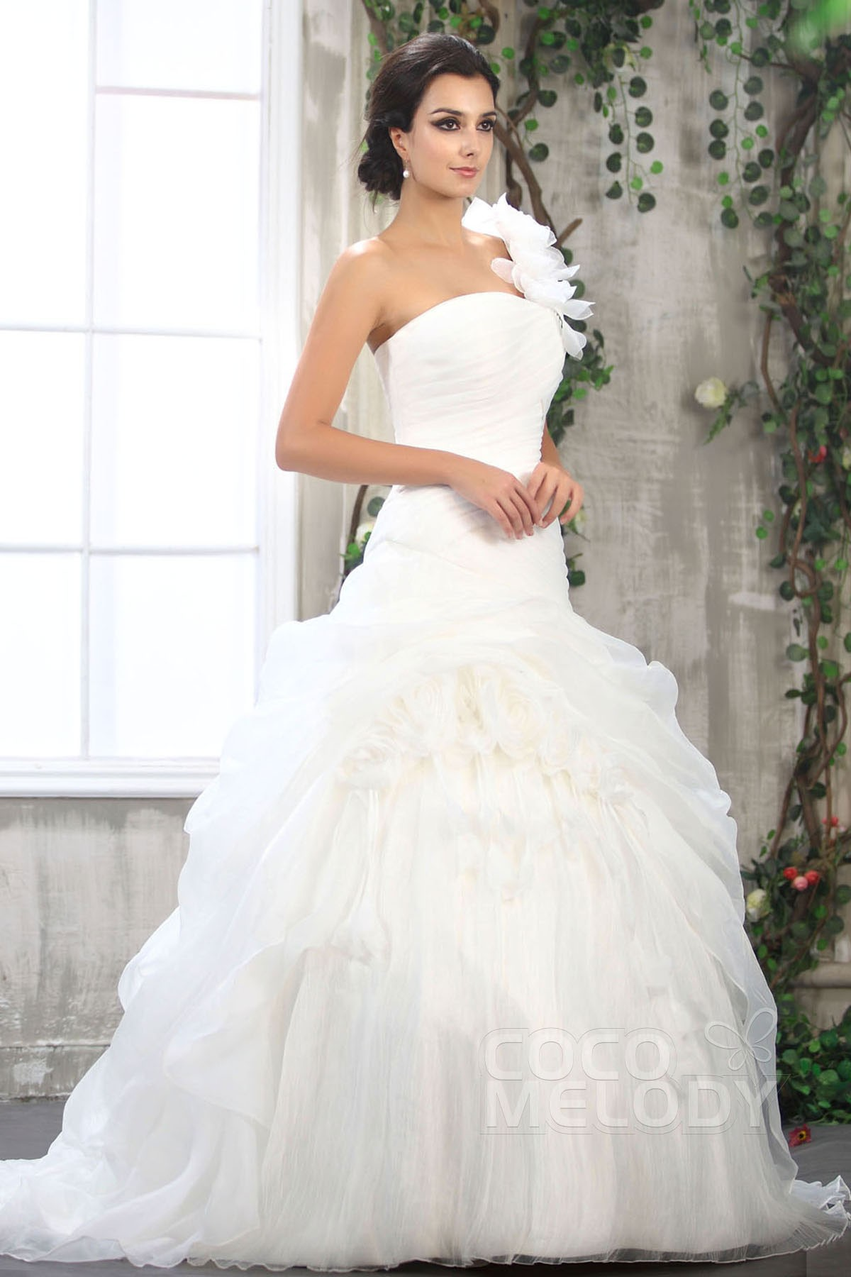 Romantic Ball Gown One Shoulder Court Train Organza Wedding Dress CWLT1306B