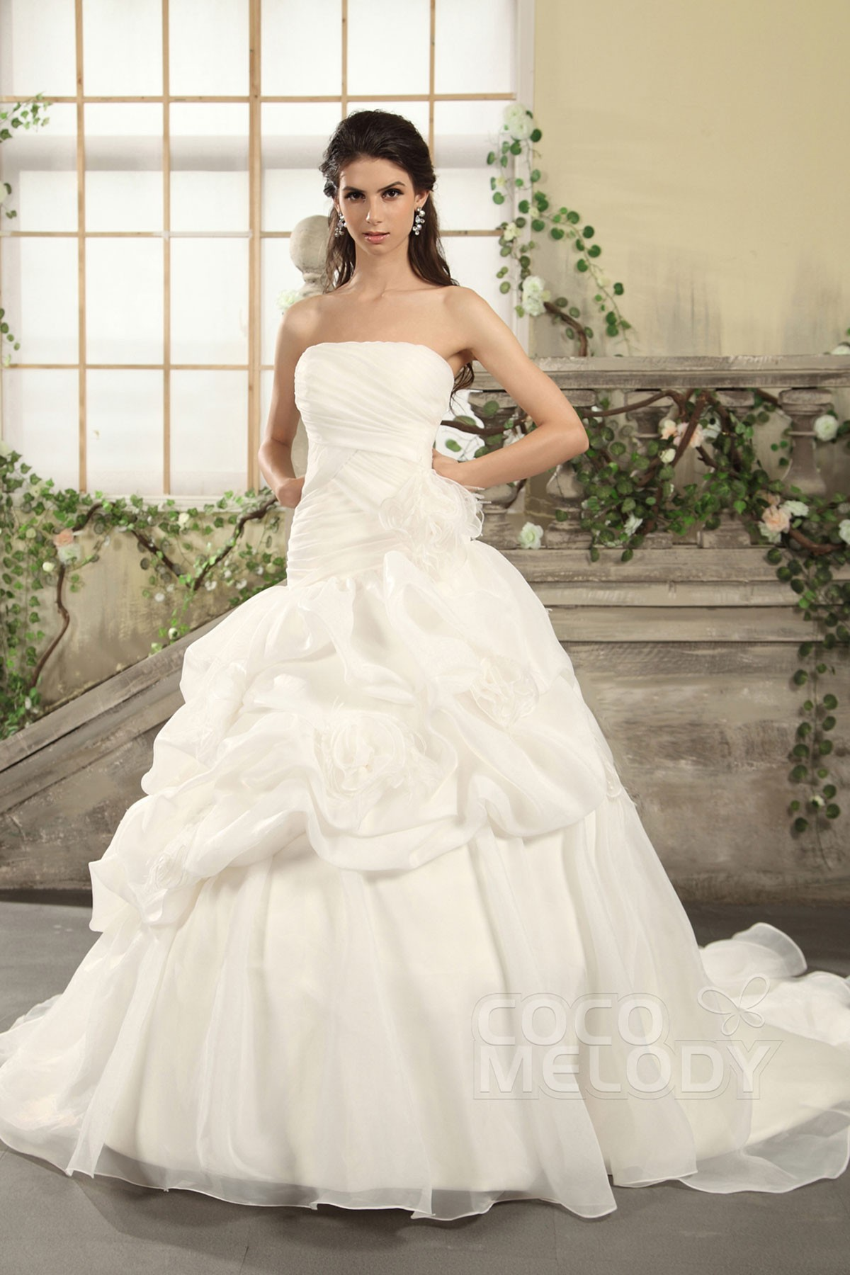 Queenly Princess Strapless Dropped Waist Chapel Train