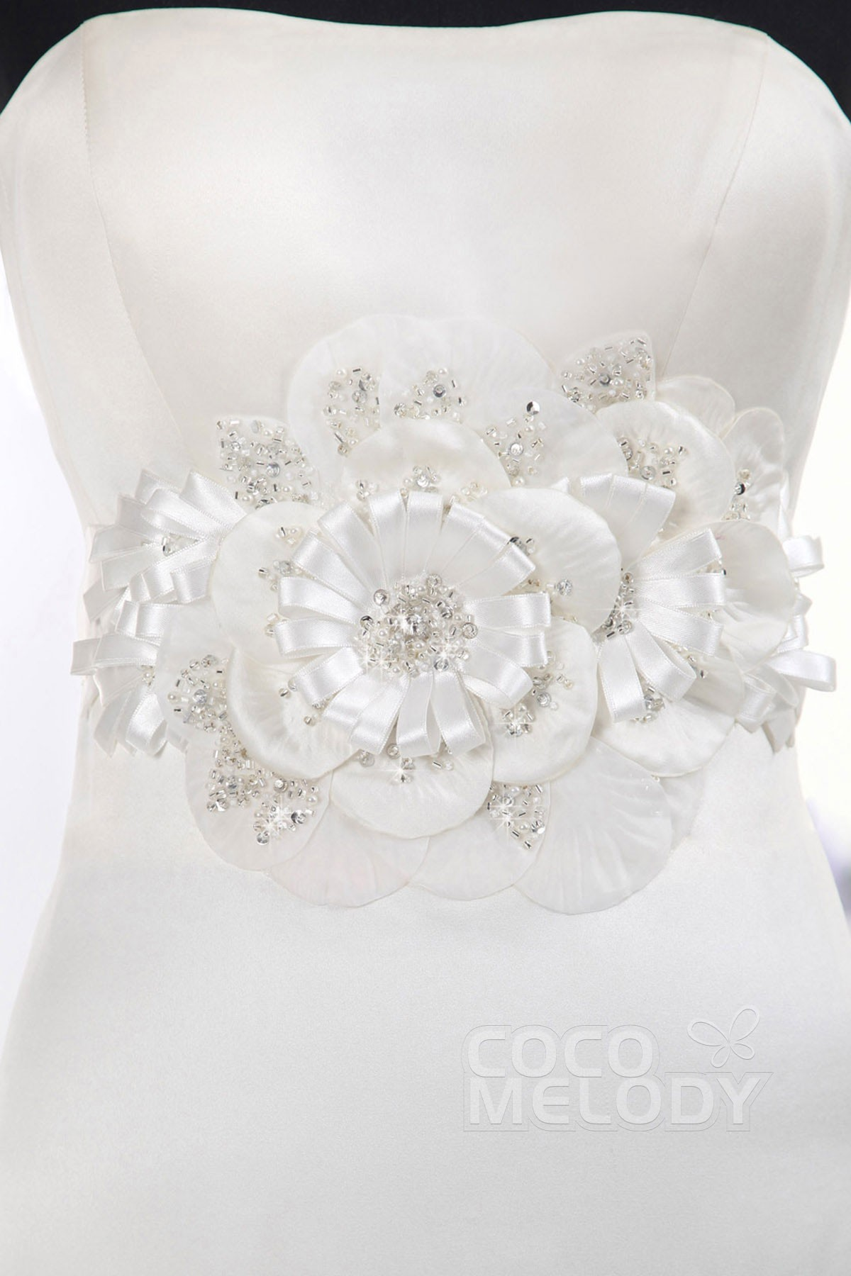Fantastic Bridal Sash With Flower CB E