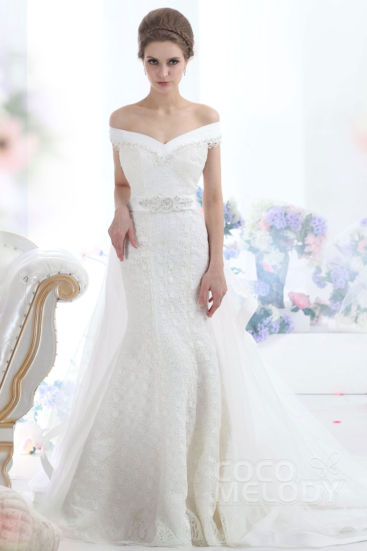 Cocomelody trumpet mermaid chapel train lace sleeveless for Trumpet wedding dress with long train