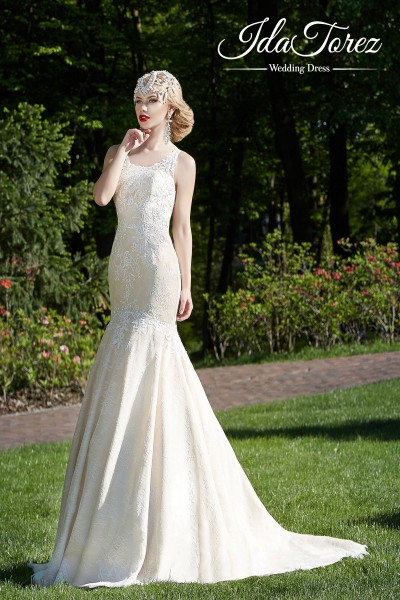 Stylish Trumpet-Mermaid Scoop Dropped Court Train Lace Ivory/Dark Champagne Sleeveless Open Back Wedding Dress 01011