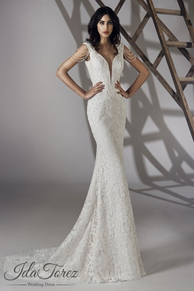 Queenly Trumpet-Mermaid V-Neck Natural Court Train Lace Ivory Sleeveless Open Back Wedding Dress Beading 01066