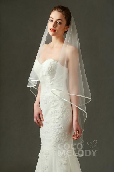 Romantic One-tier Ribbon Edge Tulle Ivory 110*150cm Hip Veils AV160015