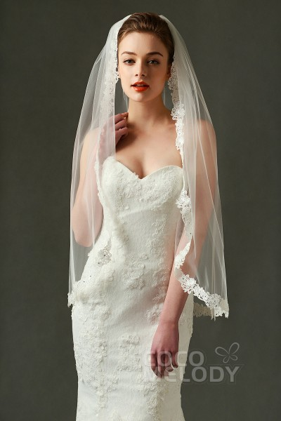Queenly One Tier Lace Edge Tulle Ivory 90150cm Hip Veils With Appliques And