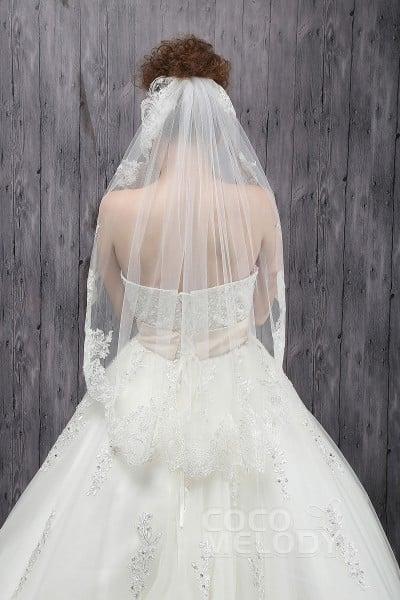 Elegant One-tier Lace Edge Tulle Ivory Hip Veils CV0015005