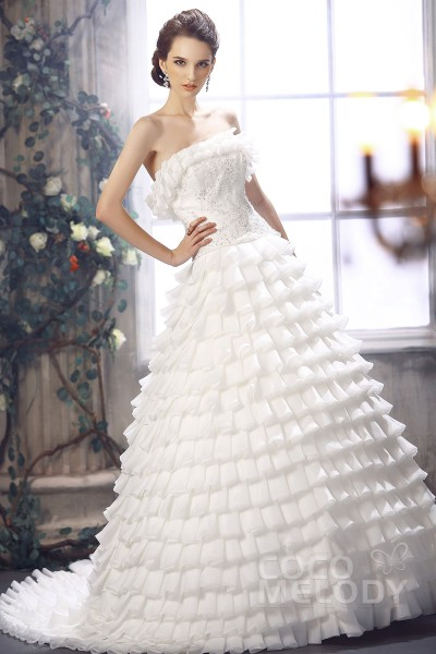 Delicate Princess Strapless Court Train Organza Wedding Dress Cwlt13082