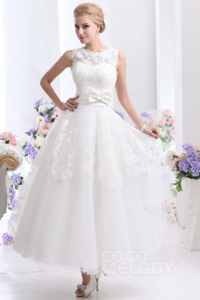 Cocomelody short wedding dresses reception dresses pretty a line illusion natural ankle length tulle and lace ivory sleeveless zipper wedding dress junglespirit Image collections