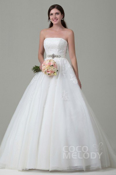 Luxurious A-Line Strapless Natural Chapel Train Tulle and Lace Ivory Sleeveless Lace Up-Corset Wedding Dress with Appliques Beading and Sashes h2pn0153